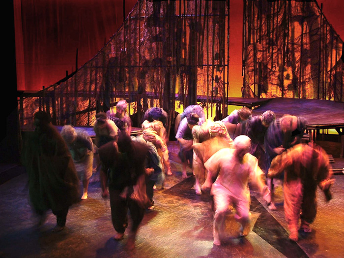 Production photograph of the 2004 performance of The Gods Are Not To Blame at Ohio University's Forum Theatre
